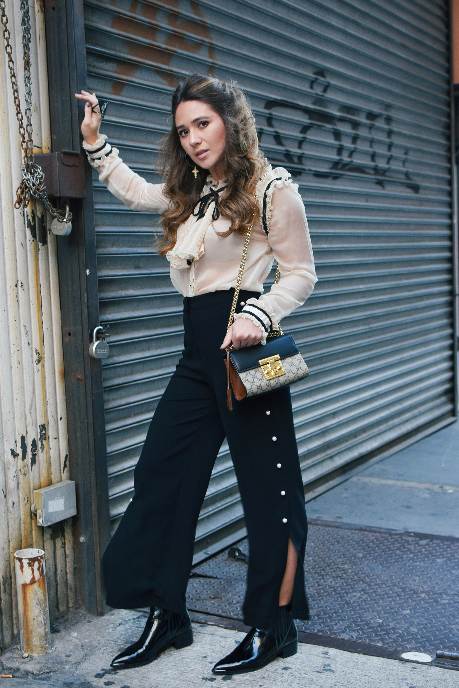 nyfw-streetstyle-outfit-pearl-trousers-ruffle-blouse-gucci-bag-fashion-week