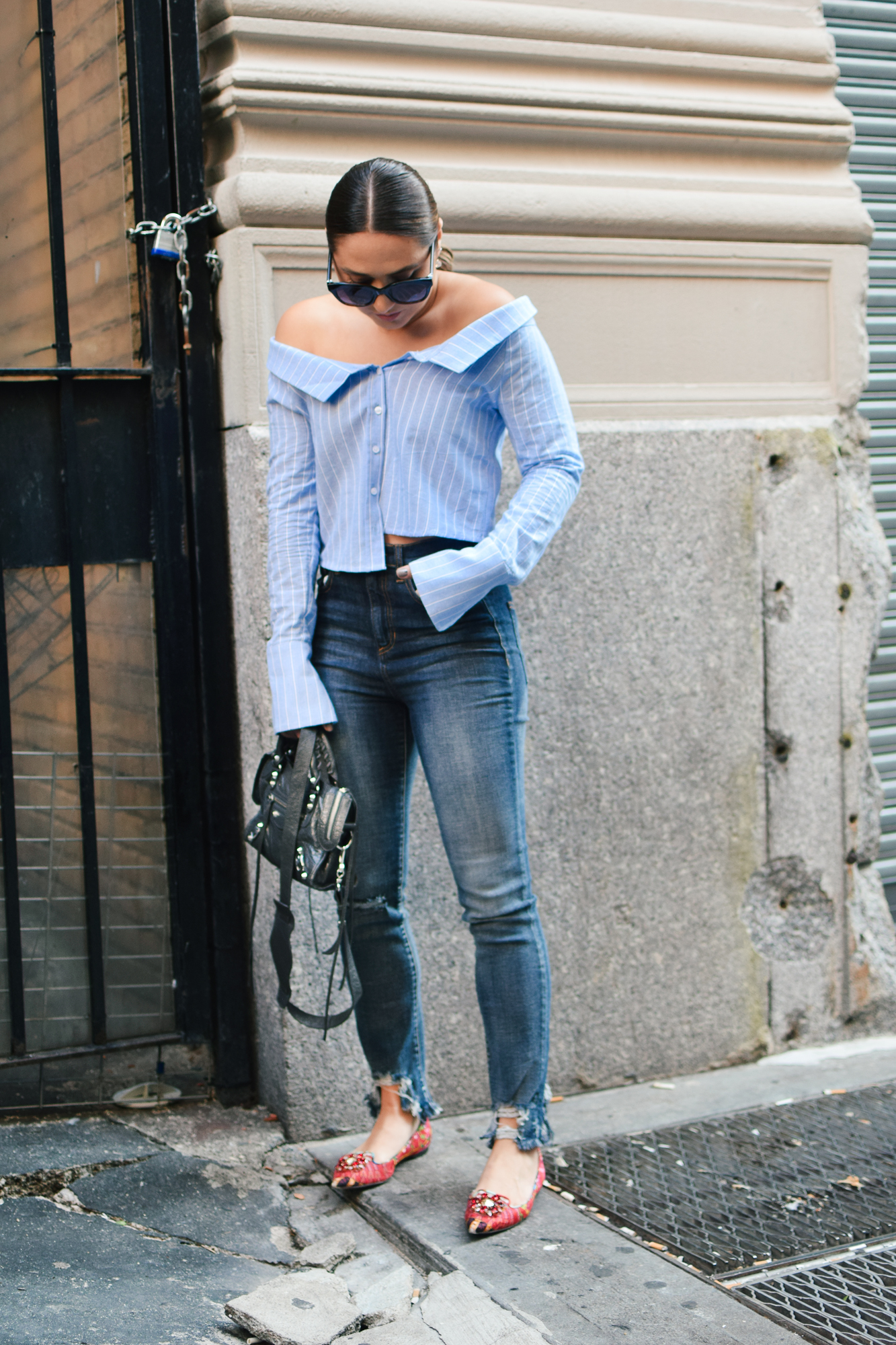 tobi-off-shoulder-striped-top-jeans-casual-outfit