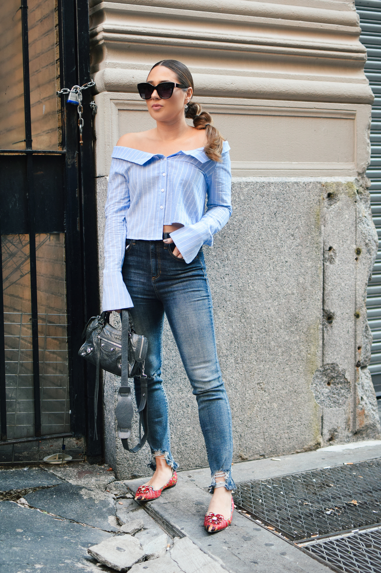 tobi-off-shoulder-striped-top-jeans-casual-outfit-cool-sunglasses