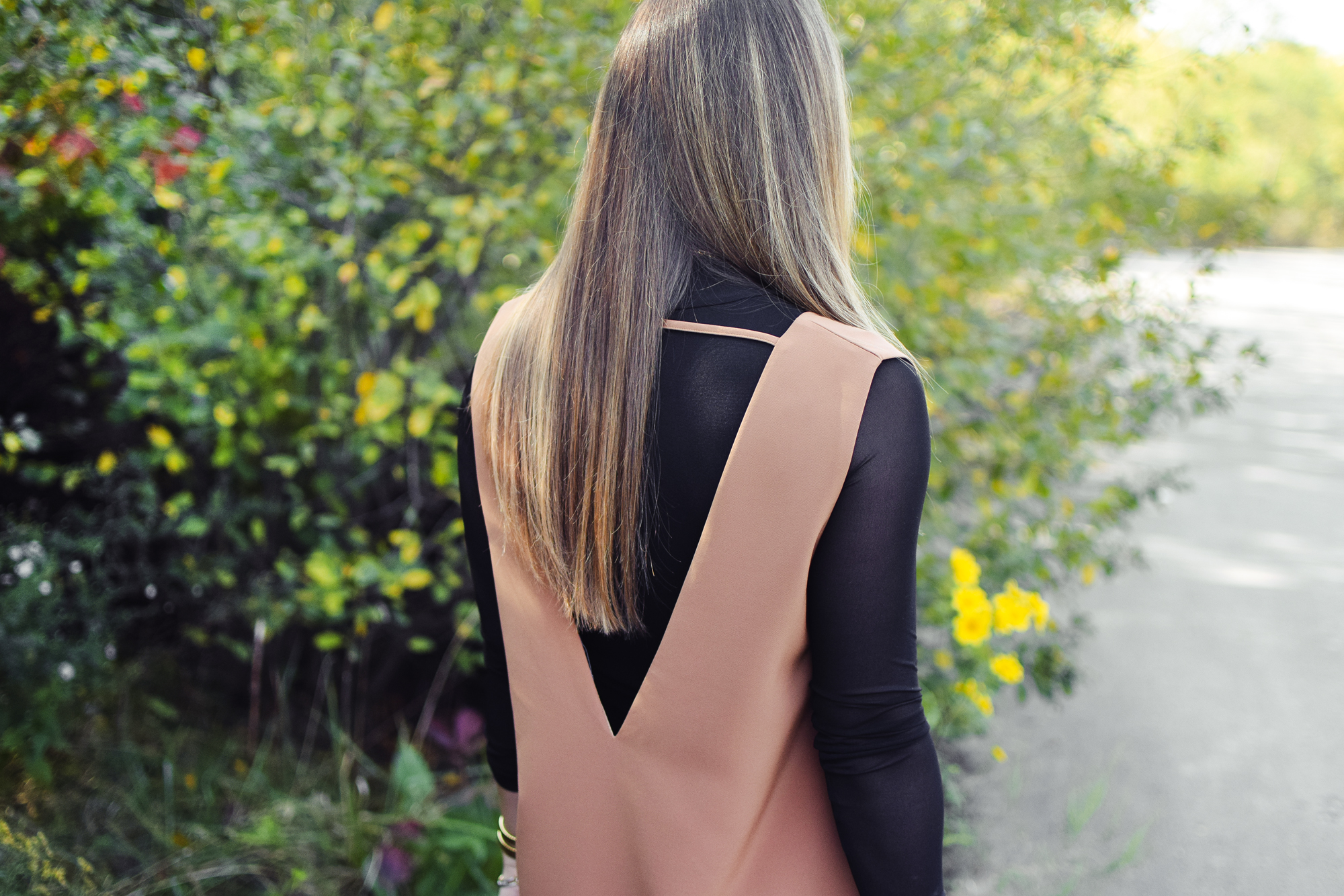 tobi-camel-sexy-backless-plunging-dress