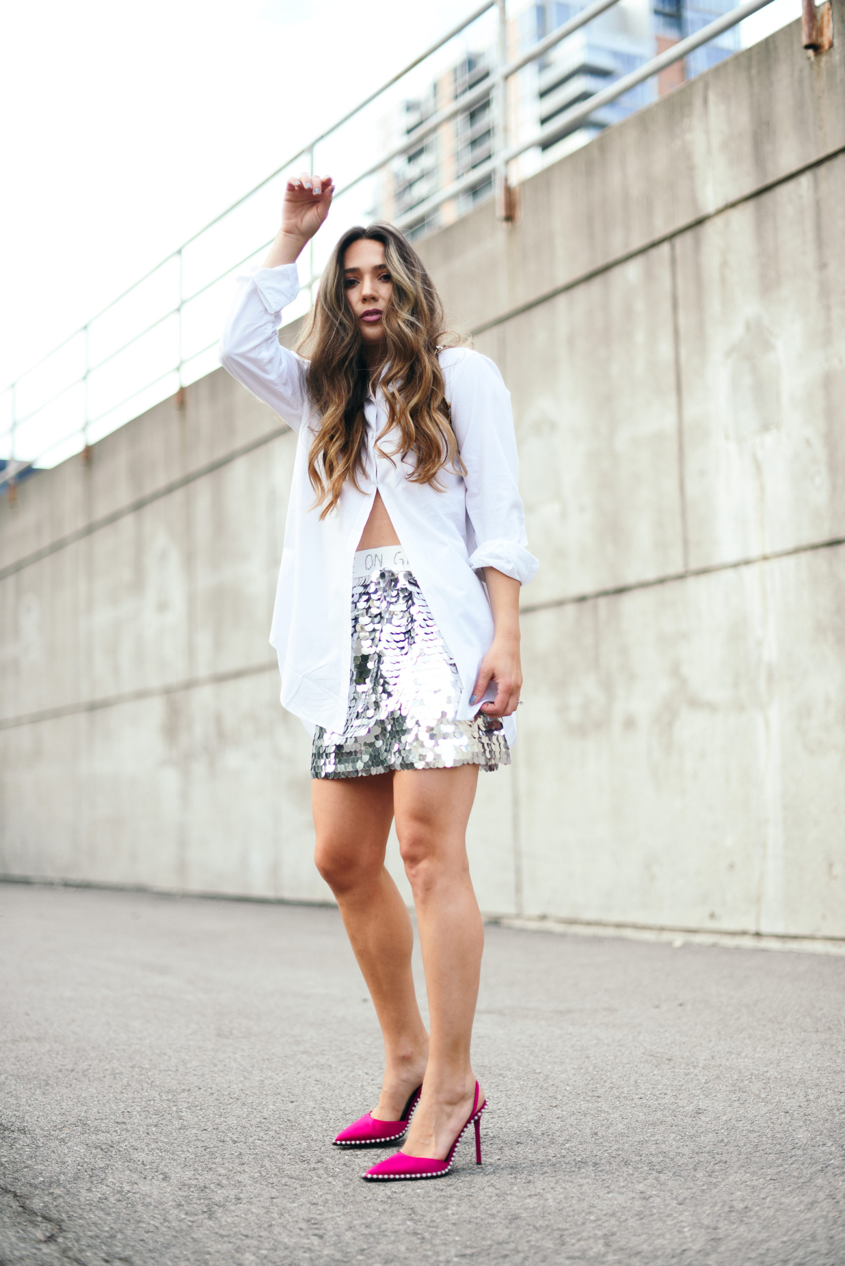 sequin-skirt-day-outfit-street-style-casual-cool